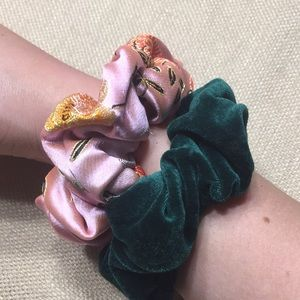 Bundle 🌼 Rare scrunchies! 90s Y2K feels